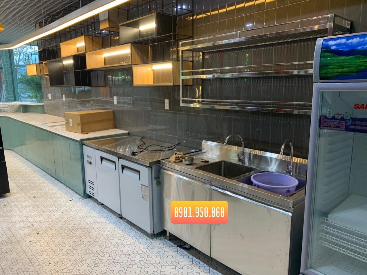 chuyên cung cấp các sản phẩm bếp công nghiệp dành riêng cho khu vực nhà hàng khách sạn lớn nhỏ, chúng tôi đã tạo tiền đề phát triển, giúp cho những món ăn, những suất ăn công nghiệp mỗi ngày một phát triển. Bếp Công Nghiệp TGP – Trung Gia Phát Việt Nam đã trở thành lựa chọn đầu tiên và không thể thiếu cho không gian bếp của khách hàng.